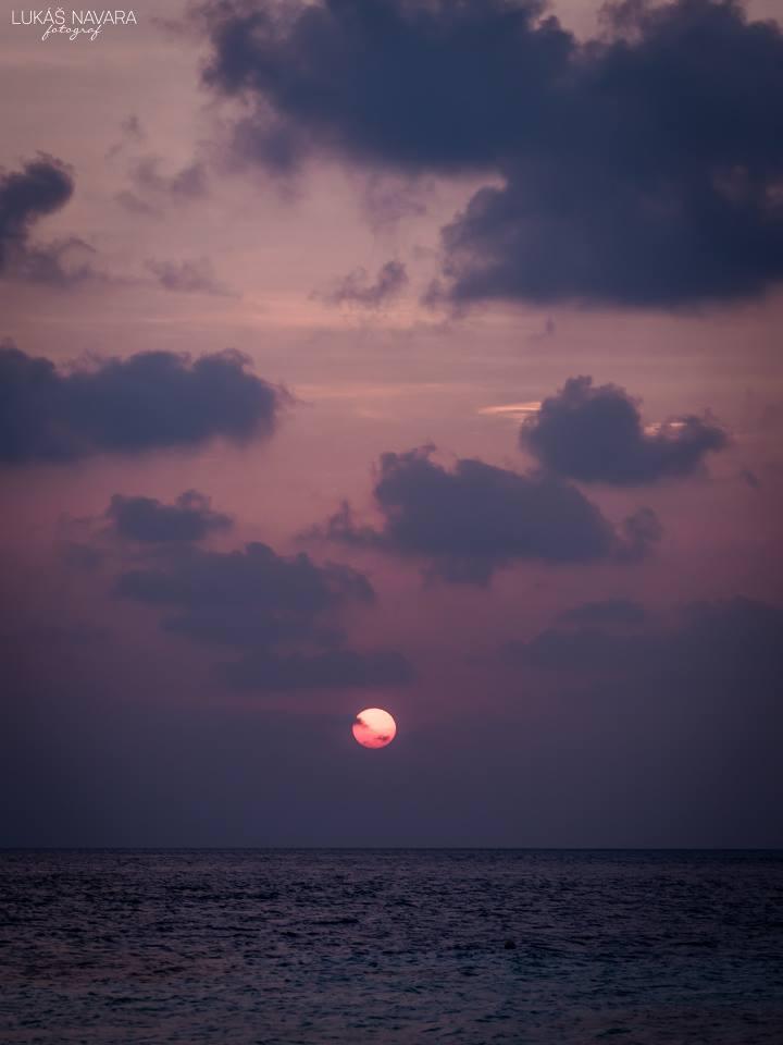 43. Maledivy