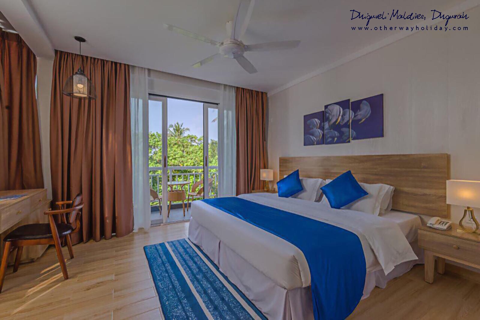 Dhiguveli Maldives, Dhigurah 12