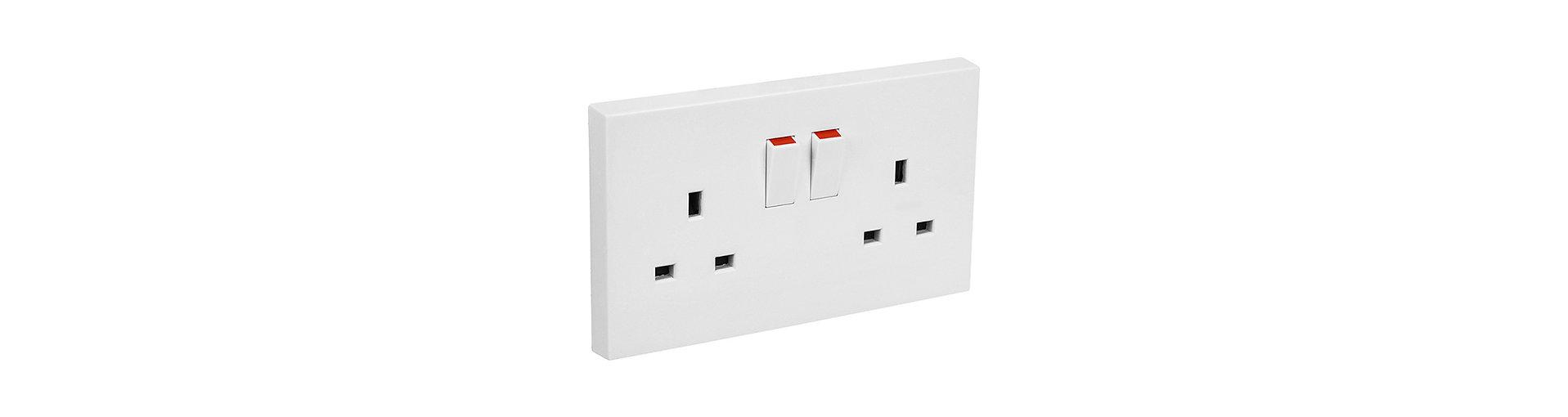 Elektrický proud, zásuvky, redukce, Maledivy