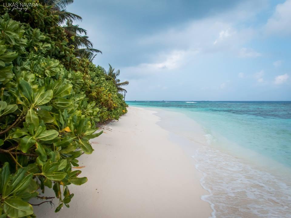19. Thinadhoo, Maledivy