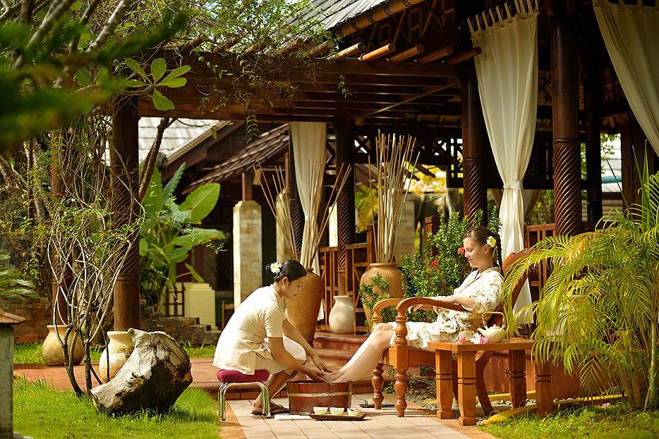 Villa Hotels, Araamu Spa na Paradise Island