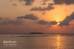 Západ slunce na Omadhoo
