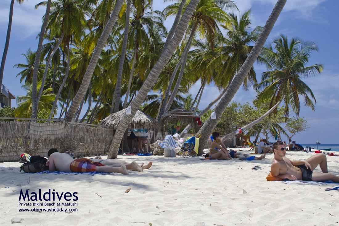 Flickr - Bikini Beach