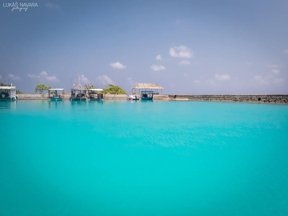 16. Thinadhoo, Maledivy