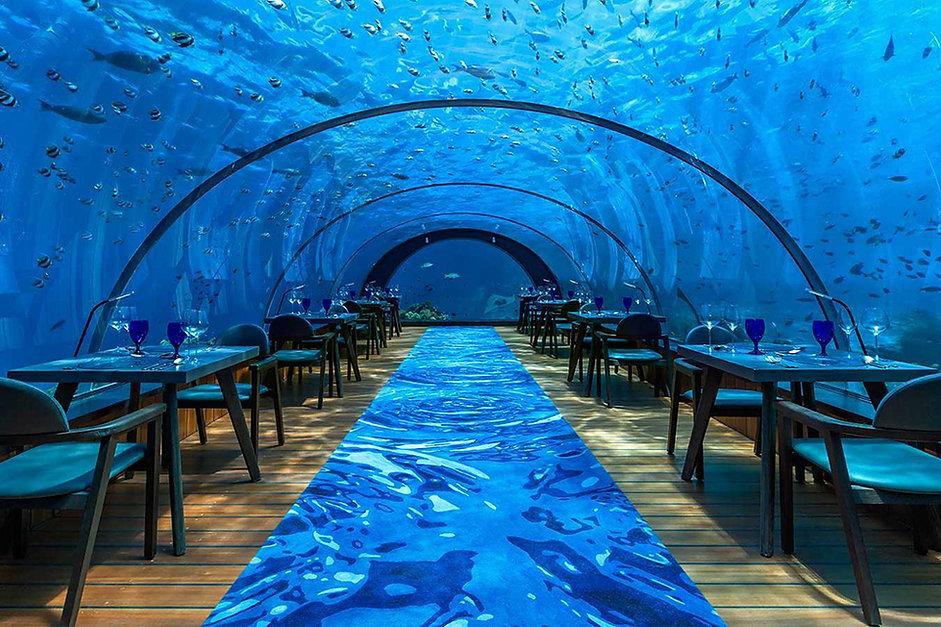 5.8 Undersea Restaurant, Hurawalhi, Maledivy