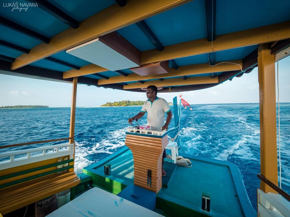 15. Thinadhoo, Maledivy