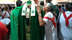 O povo brasileiro é santo
