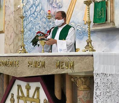 Retomada das missas presenciais no Santuário da Medalha Milagrosa