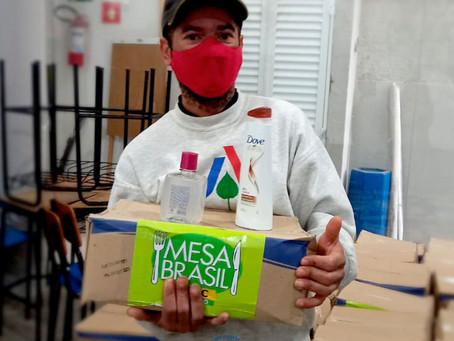 AFAGO SP recebe doações do Mesa Brasil SESC SP