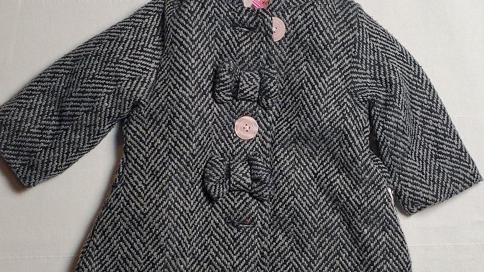 abrigogris con negro y botones rosas c/boina