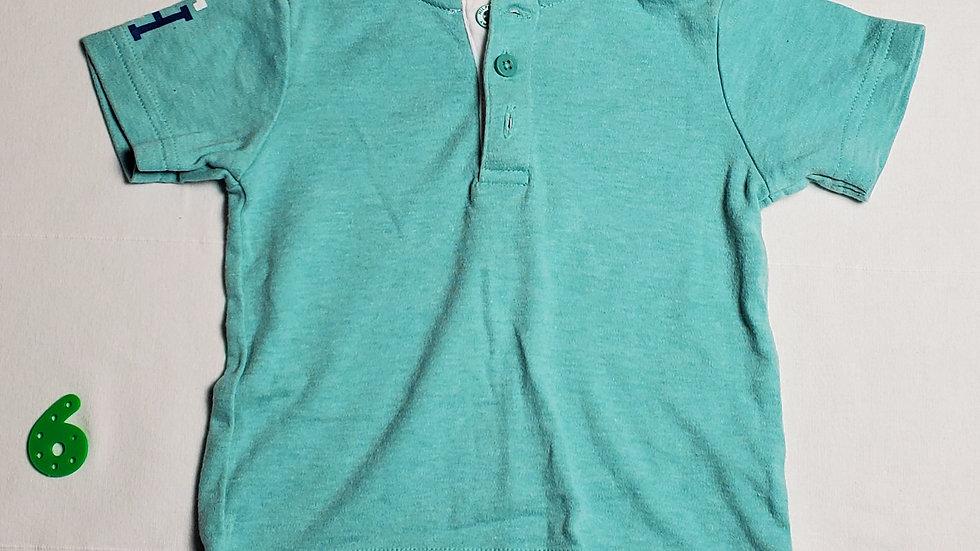 camisaazul aqua con cuello blanco
