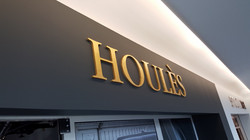 Houles