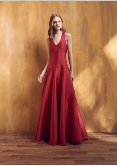 8a12a7092 Vestido Vermelho Longo Liso 18346 FD. R$ 499.90. Alugue esse perfeito  vestido para Madrinhas e Convidadas!