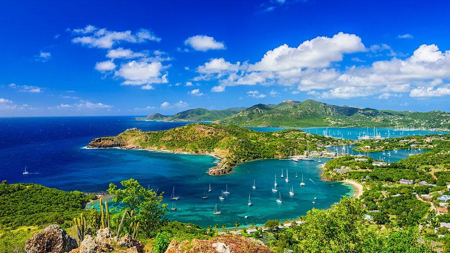 kariby-ostrova-antigua-i-barbuda-iakhty-more.jpeg
