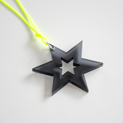 Star/star | gul/sort