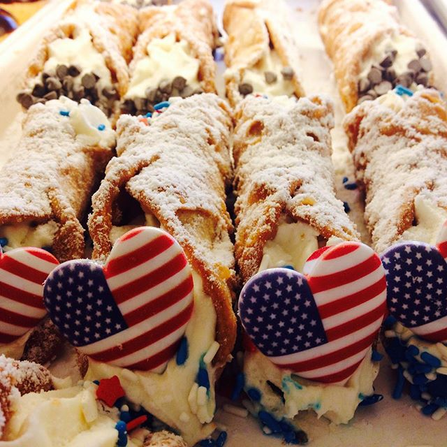 Happy Birthday America! #homemade #america #cannoli #njeats #njbakery #yum