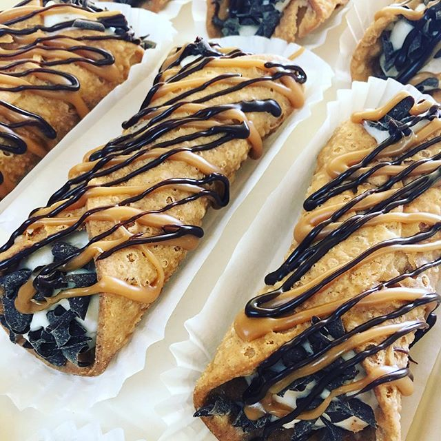 We cannoli dream of a dessert better than this! #cannoli #njeats #homemade #yum #pastries #bakery #n