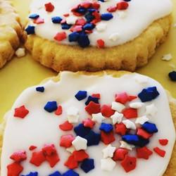 Festive Sprinkle Cookies 🇺🇸 #bakerylife #njfood #homemade #yum #manvillenj #pastry #cookies #happy
