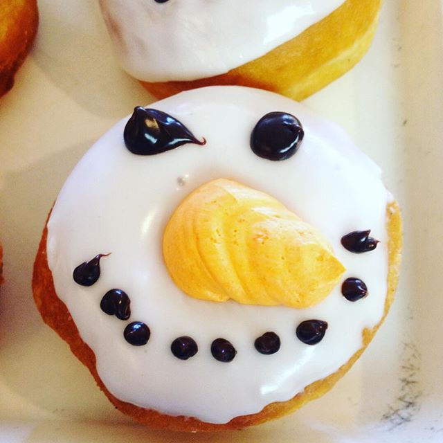 Welcome winter❄️ #donuts #njeats #yum #cheflife #njfood #pastries #snowman