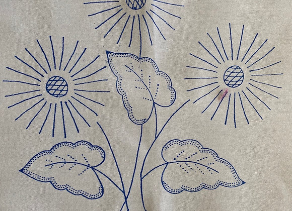 Floral embroidery cloth