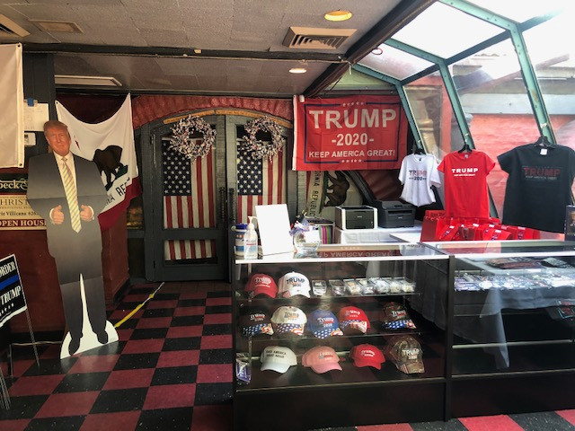 Yard signs, hats, buttons and pins_
