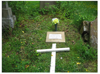 Madge grave 2.jpg