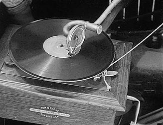 Stan at gramophone 1.jpg