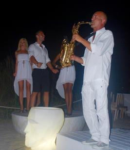 Saxo Ibiza White party.jpg