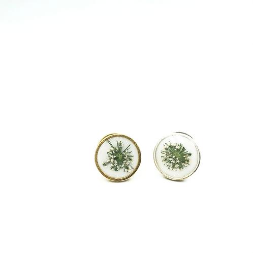 Queen Anne's Lace Lapel Pin
