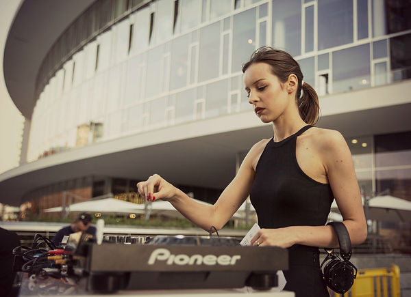 AGGNESS DJ