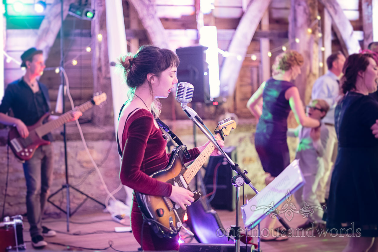 sweet-and-lowdown-wedding-band-singer-at-barn-wedding-venue-in-dorset