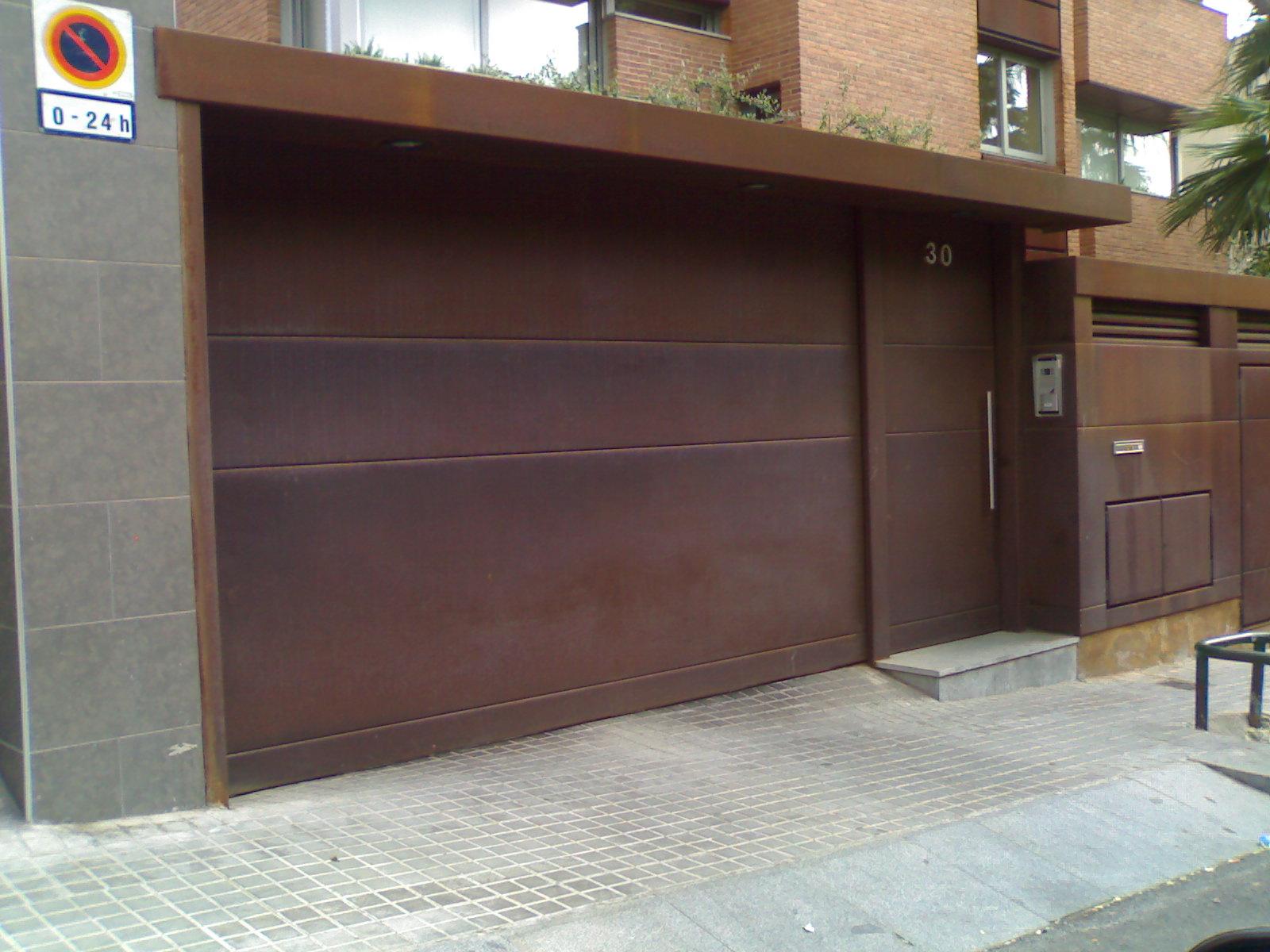 puerta hierro corten