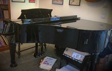 piano Kawai KG2