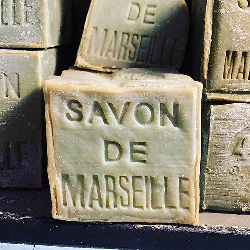 Cube 600g de savon de Marseille