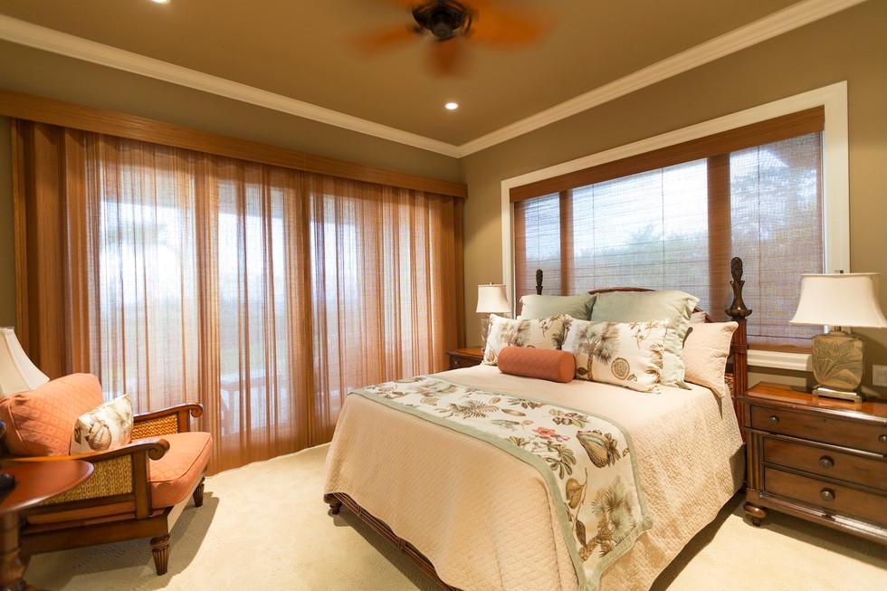 Bedroom 2M3B2480.jpg
