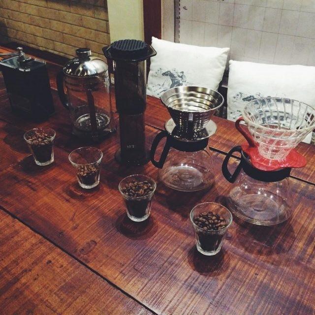 Bốn phương pháp pha chế tại Yolk - Coffee and Breakfast. Hình ảnh: Pepin Ordona