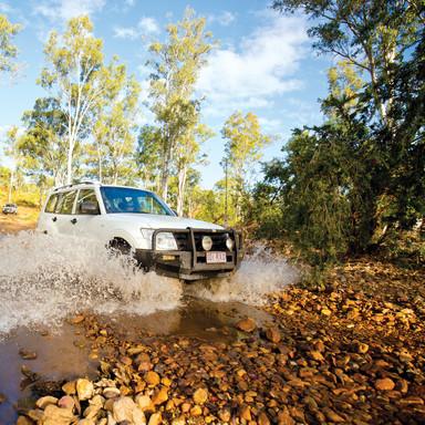 4WD at Kroombit Tops