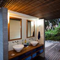 Wilson Island - bathroom facilities