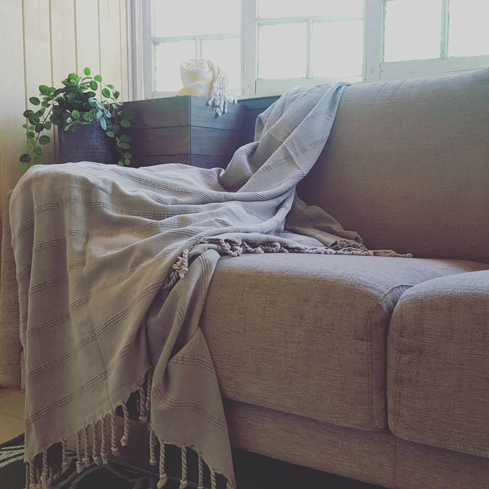 summshine_towel_onsofa