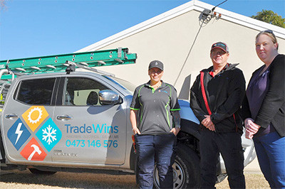 Multi-talented Tradie & CQuni Student Rebecca signs on as apprentice electrician with Gladstone Firm