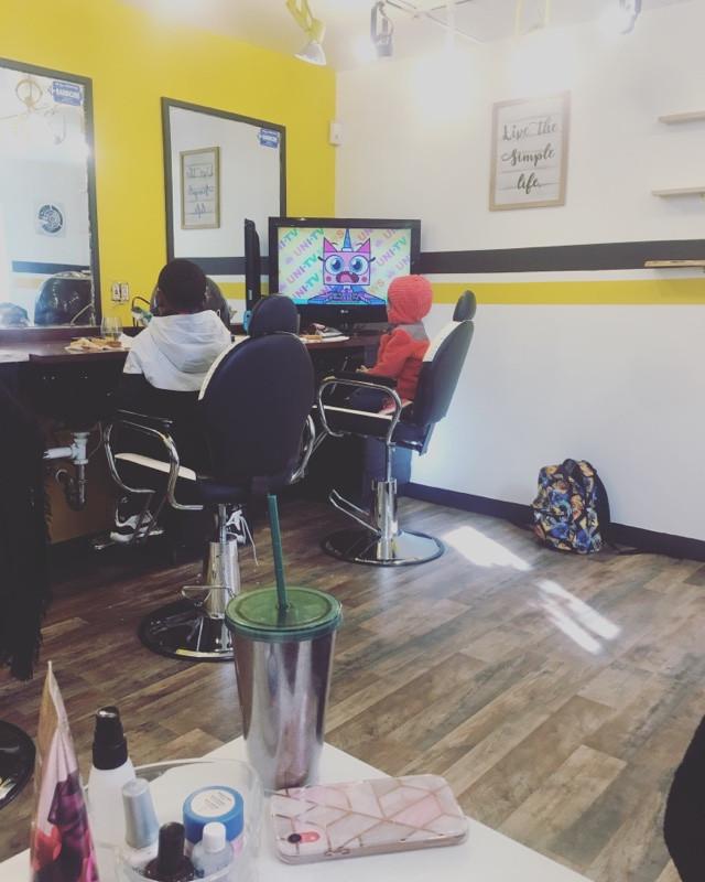 BoojiBEE Salon & Mobile Beauty Business