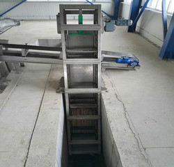 LINEAR SCREENS WITH AUTOMATIC CLEANING