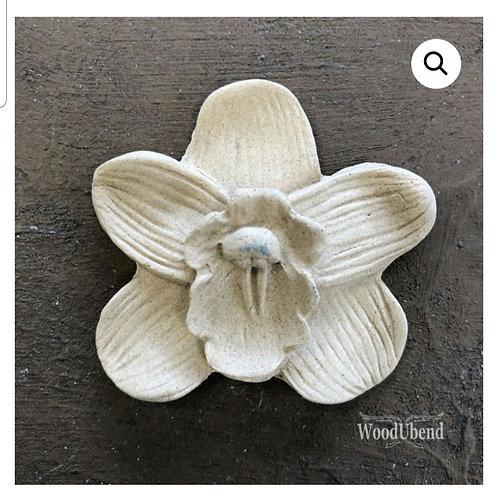 5-bladet blomst. 4.9×4.8 cm. WUB0347