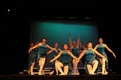 359 Mickey Show, Menlo College