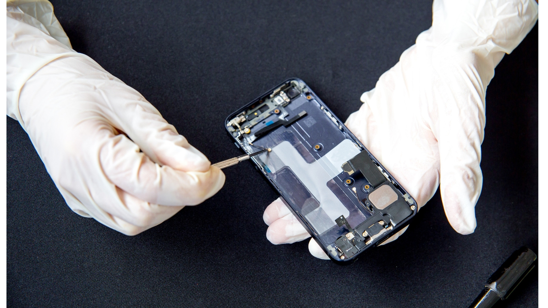 Cell Phone Repairs in 30 Minutes