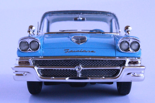 GC-001B  1958 FORD FAIRLANE 500 Azurre Blue-Colonial White.