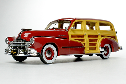 GC-034 B 1948 Pontiac Streamlined Woodie Rio Red.