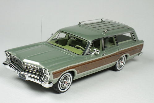 GC-047 A 1967 Ford Country Squire Lime Gold Poly