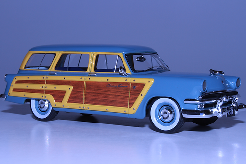 GC-006 A 1953 FORD COUNTRY SQUIRE Glacier Blue