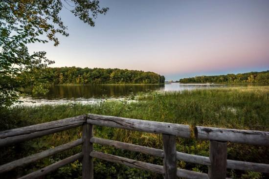 bois de liesse nature park st-laurent river lookout bike route